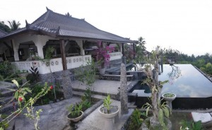 Rinjani-lodge-restaurant-view