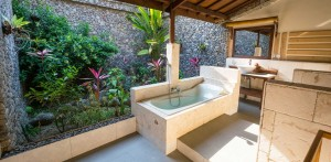 rinjani-lodge-bathroom
